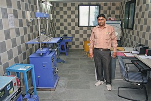 """<div class=""""bildtext_en"""">All incoming raw materials are tested inthe company's own testing laboratory using Heico testing equipment</div>"""