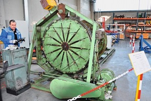 """<span class=""""bildunterschrift_hervorgehoben"""">Fig. 2</span> On the company anniversary, an """"old treasure"""" could be reactivated: the BSM #1 of 1965 – the first wire cage machine made by MBK.<br />"""