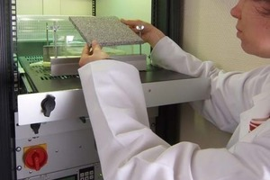 Measuring apparatus for determination of NOX degradation rates in the laboratory.<br />