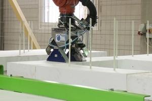 Setzen der Passelemente für das Produktionsverfahren zum automatischen Setzen der Wandverbinder