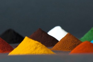 """<div class=""""bildtext_en"""">Pigments as powder, liquid or granules can be used for the coloring of concrete </div>"""