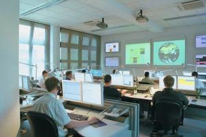 """<div class=""""bildtext"""">In abgeschirmten IT‑Sicherheitszentren werden die weltweiten Aktivitäten von Schadprogrammen beobachtet und Gegenmaßnahmen entwickelt</div>"""
