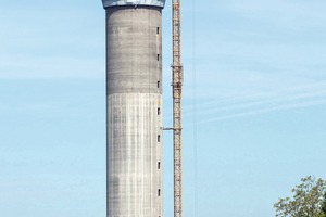 """<div class=""""bildtext_en"""">The tower rises 246 m above the ground and extends around 30 m below ground level</div>"""
