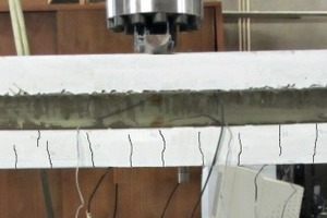 "<div class=""bildnummer"">6</div><div class=""bildtext_en"">Failure mode for specimens F1-F3: a) development of cracks in the bottom SFRSCC layer; b) development of macro-cracks in both layers; c) perforation of the concrete cover by the GFRP connector </div>"