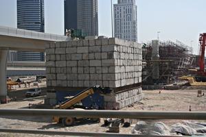 """<div class=""""bildtext"""">In den Vereinigten Arabischen Emiraten wird weiter kräftig investiert; so sind beispielsweise 2,5Mio. USD noch bis Ende dieses Jahres für die Erweiterung der Dubai Metro geplant</div>"""