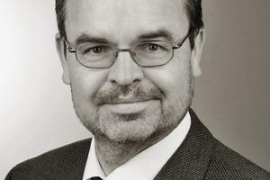 """<div class=""""vitatext""""><strong>Dr. rer. nat. Jörg Zimmer; </strong>Huntsman Pigments, Walluf</div><div class=""""vitatext""""><span class=""""ulm_email""""><script language=""""JavaScript"""">document.write('<a href=""""' + 'mailto:' + 'joerg_zimmer' + '@' + 'Huntsman' + '.' + 'com' + '"""">' + 'joerg_zimmer' + '@' + 'Huntsman' + '.' + 'com' + '</a>');</script></span></div><div class=""""vitatext"""">Chemiestudium in Mainz; 1995 Projektleiter in Labor- und Anwendungstechnik bei der Brockhues AG; seit 1996 Übernahme von Vertriebstätigkeit; zuletzt verantwortlich für den Vertriebsbereich Nordwest und Süddeutschland sowie Österreich und die Schweiz; seit 2012 Leiter der Anwendungstechnik Construction am Standort Walluf</div>"""