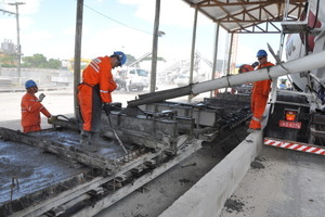 The concrete for slab production is cast<br />