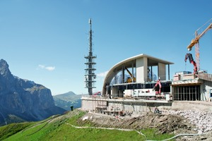 "<div class=""bildtext_en"">The new upper station of the Dantercepies cable car Selva di Val Gardena, South Tyrol</div>"