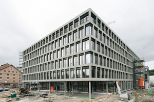 """<div class=""""bildunterschrift_en"""">The southwestfacade of the new campus building of Brugg /Windisch University of Applied Science is finished</div>"""