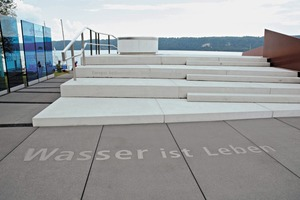 """<div class=""""bildtext_en"""">... as well as this concrete design element at the northern bank of Lake Constance</div>"""