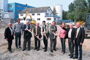 "<span class=""bildunterschrift_hervorgehoben"">Fig. 2 </span>Groundbreaking ceremony.<br /><span class=""bildunterschrift_hervorgehoben"">Abb. 2</span> Spatenstich.<br />"