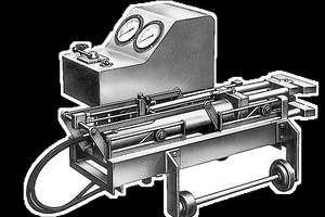 "<div class=""bildtext_en"">This multi-wire stressing jack, with tension force of 70 to 300 tons, as manufactured in 1954</div>"
