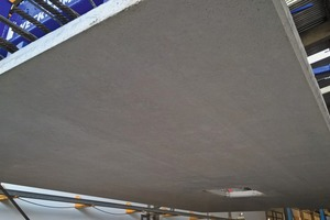 """<div class=""""bildtext_en"""">Concrete surfaced produced with the new MasterFinish RL 450</div>"""