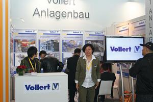 "<div class=""bildunterschrift_en"">Yongjuan Cai, the CEO in China, at the booth of Vollert at bauma China </div>"