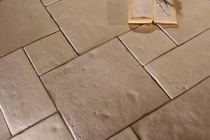 Wet-cast product.<br />