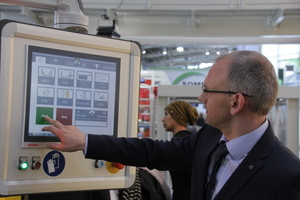 Engineer Gerald Pernkopf was instrumental in developing the profile saw and demonstrated the high-precision system at Bauma