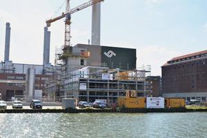 """<div class=""""bildtext"""">Das 31 x 81m große Areal ist umschlossen von der Hafenkäserei Münster GmbH im Osten und dem Gelände der Cronos GmbH im Westen</div>"""