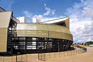 """<div class=""""bildtext_en"""">According to Lanxess, the colored paved areas surrounding the Arena Pantanal in the city of Cuiabá just entail low maintenance costs </div>"""
