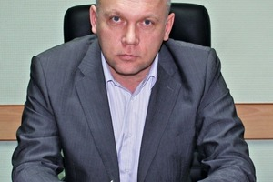 "<div class=""bildtext_en"">Valeriy Dmitriev, Stellvertretender Generaldirektor Produktion Voronezhsky DSK</div>"
