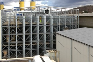 """<span class=""""bildunterschrift_hervorgehoben"""">Fig. 1</span> Installation of the HS-Steel-Classic curing chamber as a detached structural steelwork with air circulation of CDS Ltd., Stoke-on-Trent, UK.<br />"""