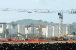 """<div class=""""bildtext_en"""">Italian mixing plant specialist Simem set up a total of four concrete production facilities at the Panama Canal. Among other things, Simem purchased aggregate, cement, water, additive, ice and fiber scales from Dorner</div>"""