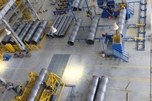 Die Herstellung von Stahlzylindern unter kontrollierten Bedingungen stellt ein zentrales Element einer Betondruckrohrfertigung dar