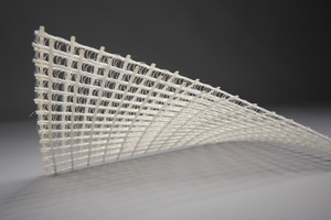 What makes this new façade system so special is the reinforcement in form of 3D textiles. It consists of two layers of textiles spaced<br />10 mm apart, connected to each other pressure-stiff by so-called pole threads<br />