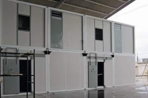 A modular system of steel frames and precast concrete elements<br />