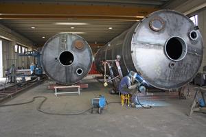 "<div class=""bildunterschrift_en"">Euromecc is manufacturing mixing plants, silos and belt conveyors for the concrete industry</div>"
