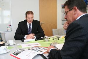 "<div class=""bildtext_en"">Ralf Beier (left) in the interview with BFT editor Silvio Schade</div>"