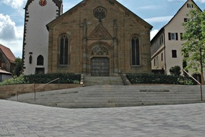 "<div class=""bildtext_en"">As before, the Lower Church Square can support vehicle traffic – but, compared to the old concept, now offers much more opportunity for the public to quietly linger and enjoy the square</div>"
