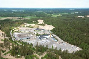 """<div class=""""FB BU Zahl"""">2</div><div class=""""bildunterschrift_en"""">The production facility of Lemminkäinen in Orimattila, Finland, is the first plant of the corporate group to install the innovative Peri Pave IT technology</div>"""