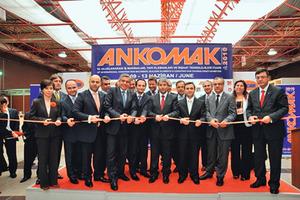 """<div class=""""Events Termintext Deutsch"""">Die Messe in Istanbul ist das größte Forum für die Bauindustrie in der Region Eurasien.</div><div class=""""Events Termintext Deutsch""""></div><div class=""""Events Termintext Deutsch""""></div><div class=""""Events Termintext Deutsch"""">↗ www.ankomak.com</div>"""