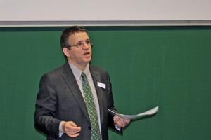 Markus Greim, Geschäftsführer der Schleibinger Geräte GmbH, moderierte die Veranstaltung<br />