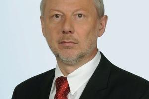 Dr. Peter Weber (1959), Chemiestudium an den Universitäten Kaiserslautern und Gießen, promoviert am Institut für organische Chemie der Justus-Liebig-Universität Gießen. Seit 1997 Mitarbeiter der Harold Scholz &amp; Co. GmbH in den Bereichen Verkauf / Anwendungstechnik / Entwicklung.<br /><br />