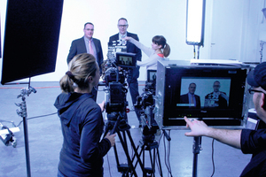 "<div class=""bildunterschrift_en"">The general managers of Stekox, Claus Steinbuch (back right) and Andreas Kogel, during the video shooting</div>"