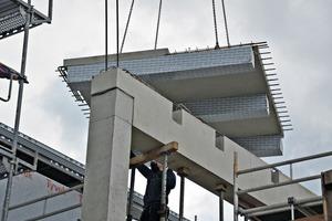 """<div class=""""bildtext"""">Das Holz der Hybriddecken wird ab Werk mit einer Folie geschützt. Der Beton der Hybriddecke ist durch Verwendung einer speziellen Betonrezeptur wasserundurchlässig</div>"""