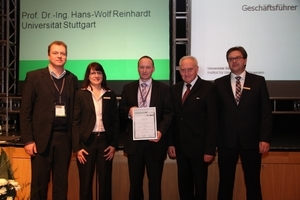 At the award ceremony (from left to right): Christoph Schulte (Editor in chief, BFT International), Stefanie Blank (Head of Organization, FBF Betondienst GmbH), winner Roy Thyroff (Managing director, V. Fraas Solutions in Textile GmbH), Prof. Dr.-Ing. Hans-Wolf Reinhardt (Chairman of the jury), Dr. Ulrich Lotz (Managing director, FBF Betondienst GmbH)<br /><br />