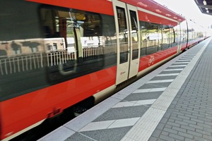 """<div class=""""bildtext_en"""">Installation of Modula Flex slabs as a supplementary system enabled alignment of the distance of the conventional platform edge to the new track gradient</div>"""