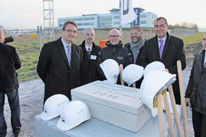 """<div class=""""bildtext_en"""">Martin Butz and Christian Trost of the general contractor, Lehde, together with Matthias Popp and Thomas Casey (both managing directors at CP Autosport) as well as Karl-Uwe Büthof (NRW Ministry of Economics, from left to right) celebrated the groundbreaking ceremony</div>"""