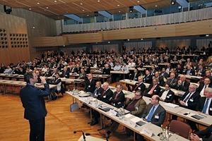 """<div class=""""bildtext_en"""">Full house at the Edwin-Scharff-Haus congress center in Neu-Ulm </div>"""