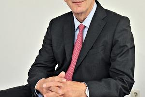 """<div class=""""bildtext_en"""">Hanno Pünjer, Managing Partner of Bühnen GmbH &amp; Co. KG</div>"""