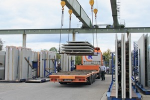 "<div class=""bildtext_en"">The company is also proud of its intelligent logistics. Hermann ­Rudolph Baustoffwerk GmbH has contributed to developing the software governing the flow of materials and goods inside the plant </div>"