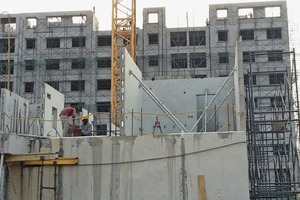 "<div class=""bildtext_en"">Installed elements in a major construction project in India</div>"
