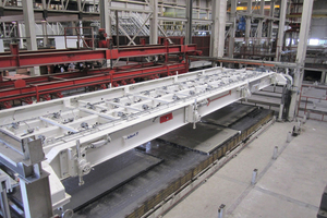 Distance pieces inserted in the precast concrete elements as well as the spacers of the turning device ensure to keep the desired height of the double wall