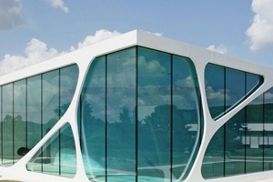 "<div class=""bildtext_en"">Three examples for the use of ultra-high-performance concrfete (UHPC): the Mucem-Musem in Marseille, the Leonardo Glass Cube in Bad Driburg, and the railway station Liège-Guillemins in Belgium</div>"