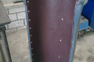 "<div class=""bildunterschrift_en"">Rear of a conveyor chute lined with the Hawiflex standard board … </div>"