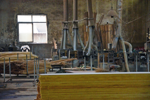 Production of bamboo flooring in China