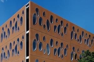 """<div class=""""bildtext"""">In die tragenden Fertigteil-Verbundtafeln sind 50mm hochdichtes Polystyrol mit einer 65mm dicken Außenschicht sowie eine 165mm starke Innenschicht aus Konstruktionsbeton integriert </div>"""