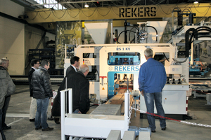 "<div class=""bildtext_en"">One of Rekers' new developments is the RS 1 KV block machine</div>"